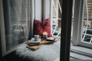 Quick and Easy Ways to Decorate Your Apartment for Fall